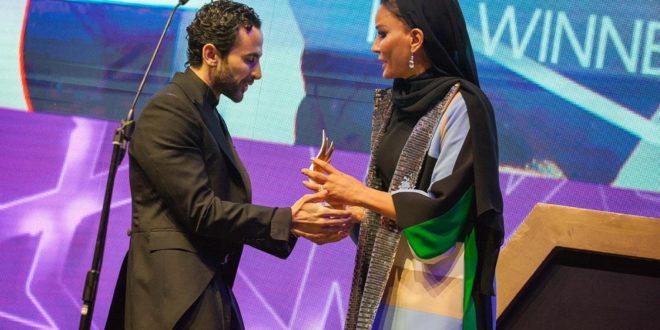 Жена эмира Катара вручила армянину из Ливана премию лучшего дизайнера